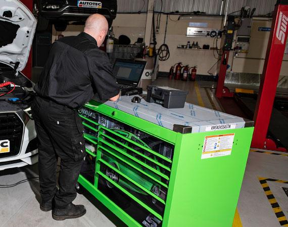 servicing-tools